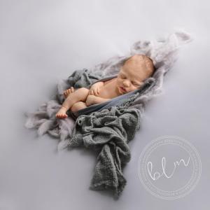 newborn-boy-grey-wraps-fabrics-1