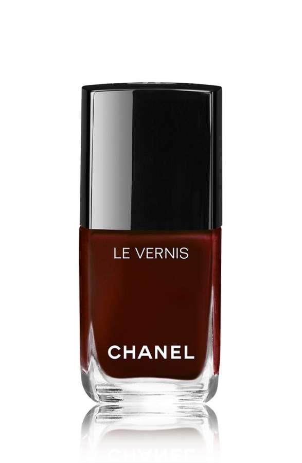 BEAUTIFUL MORNING de-perfecte-nagellak-Chanel Zo kies je de perfecte kleur nagellak perfecte kleur nagellak Lichte huid met koele ondertoon Getinte huid met een koele ondertoon Gebronsde huid met warme ondertoon Donkere huidskleur met warme ondertoon