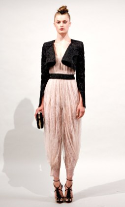 marchesa-lace-trends-in-fashion-spring-2011