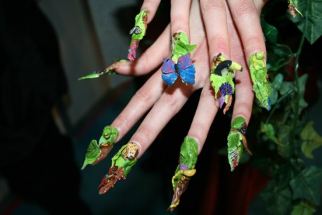 nature-nail-art-fall-winter-manicure-trends-2010