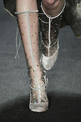 zac-posen-rain-boots-transparent-fashion-item-trends