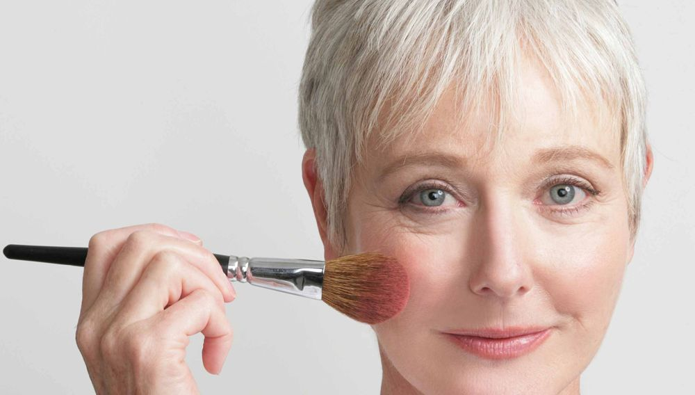 Makeup-to-battle-the-signs-of-old-age