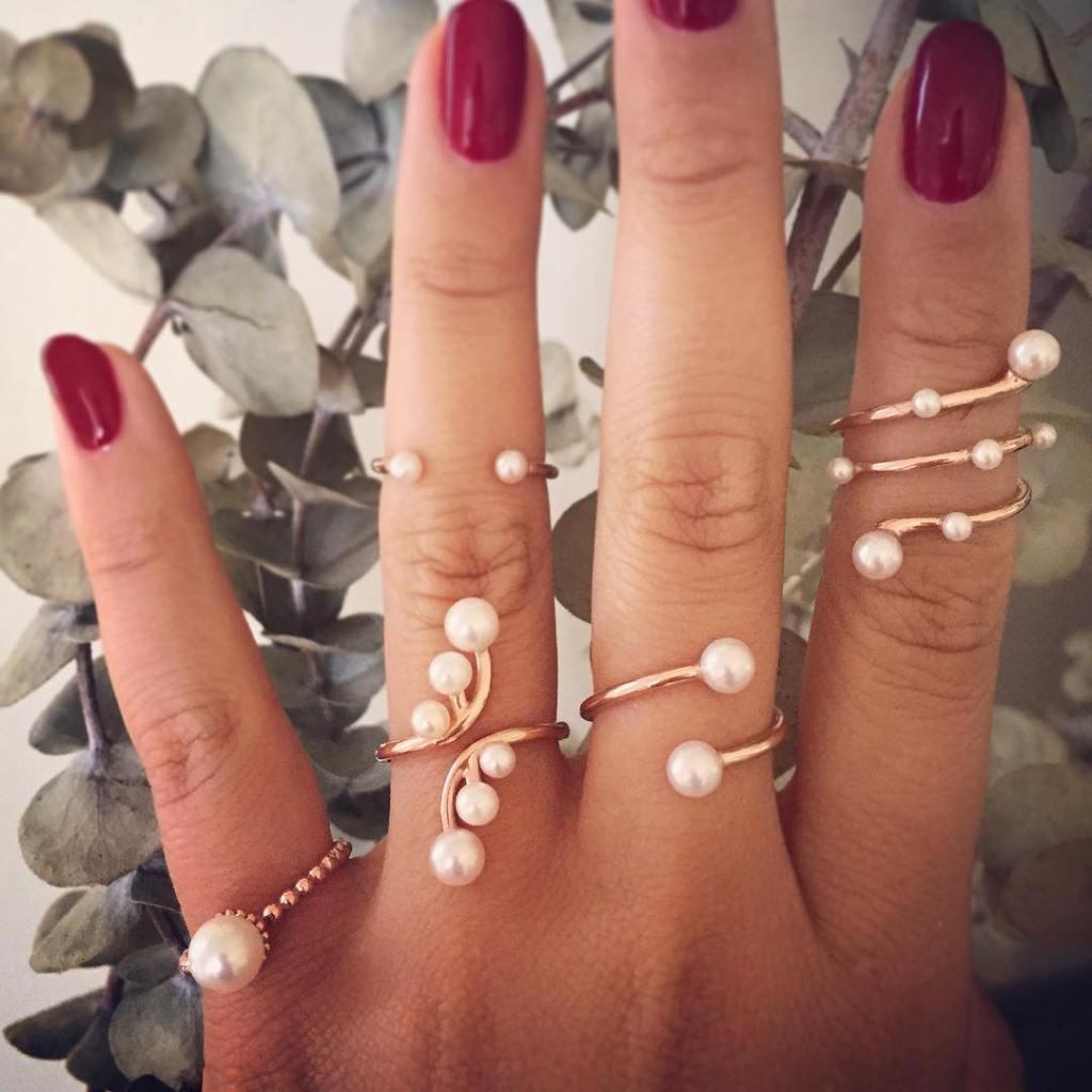 rings-Classy-Pearls