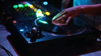 action-audio-audio-mixer-1540319