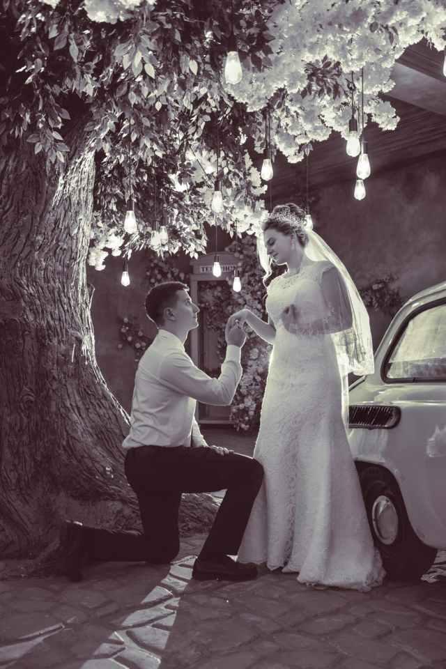 Suspension en faux diamants: des lustres top tendances pour un mariage