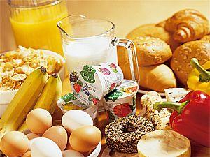 فطور صحي متكامل العناصر الغذائيه