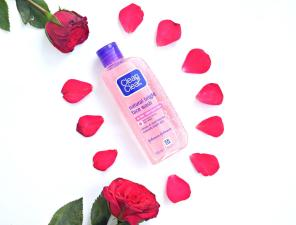 Clean & Clear Natural Bright Face Wash with Rose Water and Honey