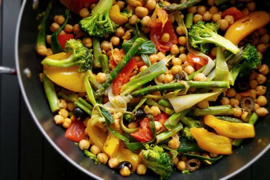 CHICKPEAS AND ROASTED VEGETABLES