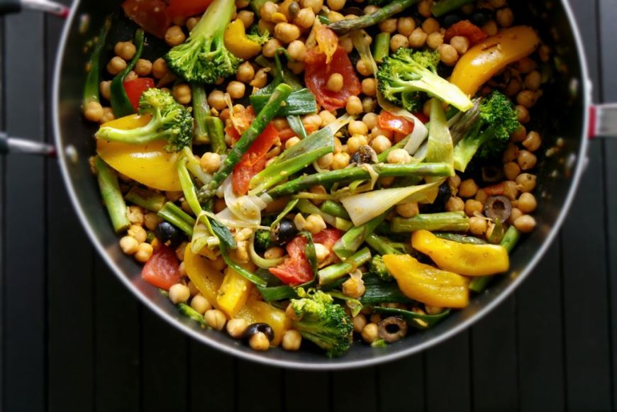Chickpeas with roasted vegetables