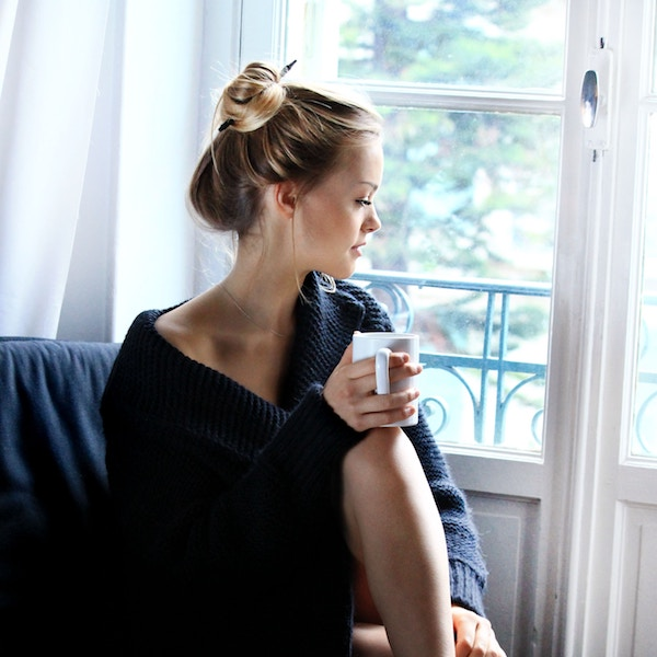 11 ways to reduce stress naturally! Self-care tips to help you develop healthy habits and become less stressed, happier and actually more productive. | www.beautybites.org