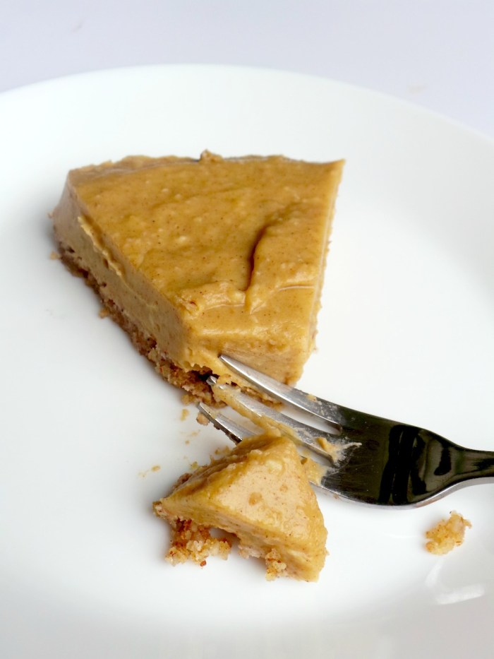 Something like a no bake healthy pumpkin pie, but it's with butternut squash and it's super duper creamy and delicious. This healthy butternut squash pie is also vegan, gluten-free and I think paleo (depends whether you consider dates paleo or not - if not use some sweetener you consider paleo). This is the perfect clean eating dessert as it also has actual health benefits.