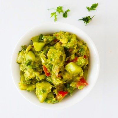 Guacamole With Cucumbers & Basil – Low Carb & Vegan