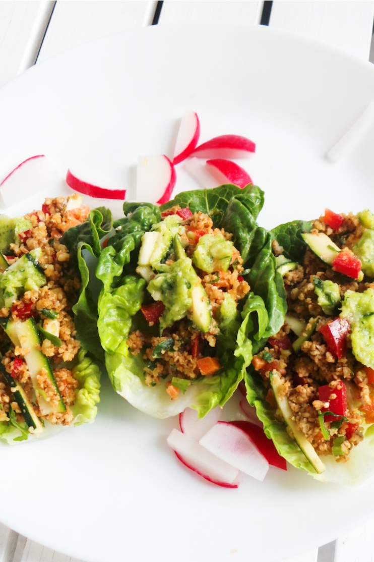 Healthy lettuce wraps that are vegan and low-carb. This light and delicious anti-inflammatory dinner recipe is easy, full of antioxidants and you only need a food processor to make it! | Anti-Inflammatory Diet | Anti-inflammatory Meal Plan | Anti-Inflammatory Diet Recipes | Clean Eating Recipes