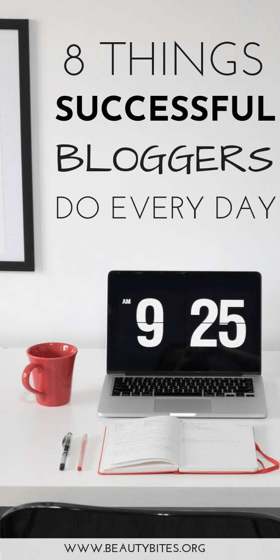 The lifestyle of a blogger: 8 habits of successful bloggers! Grow your blog using these blogging tips and ideas. These habits have helped me develop and consistently grow my blog over the last few years. | blogging for beginners