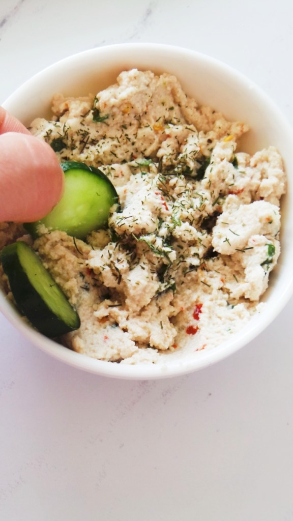 Spicy cashew cream cheese! This vegan cream cheese is perfect for bowls, wraps, as a spread or a dip!   healthy vegan recipe