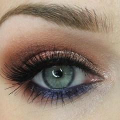 Anastasia Beverly Hills World Traveler Palette & makeup