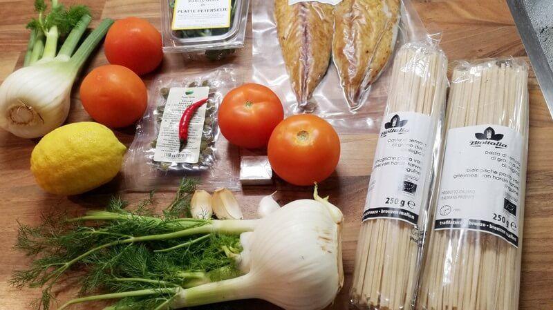 Pasta met gerookte makreel en een kruidige venkel-tomatensaus