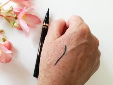 L'Oréal Super Liner Black'N'Sculpt Eyeliner (3)