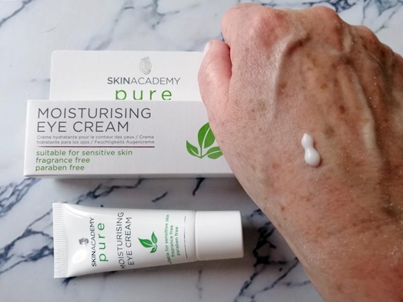 Review: SKINACADEMY PURE Pure-Zuivere gezichtsverzorging, 100% zonder kleur- en geurstoffen. 37 skinacademy pure Review: SKINACADEMY PURE Pure-Zuivere gezichtsverzorging, 100% zonder kleur- en geurstoffen.