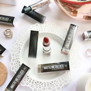 maybelline matte metallic lipstick review and swatches