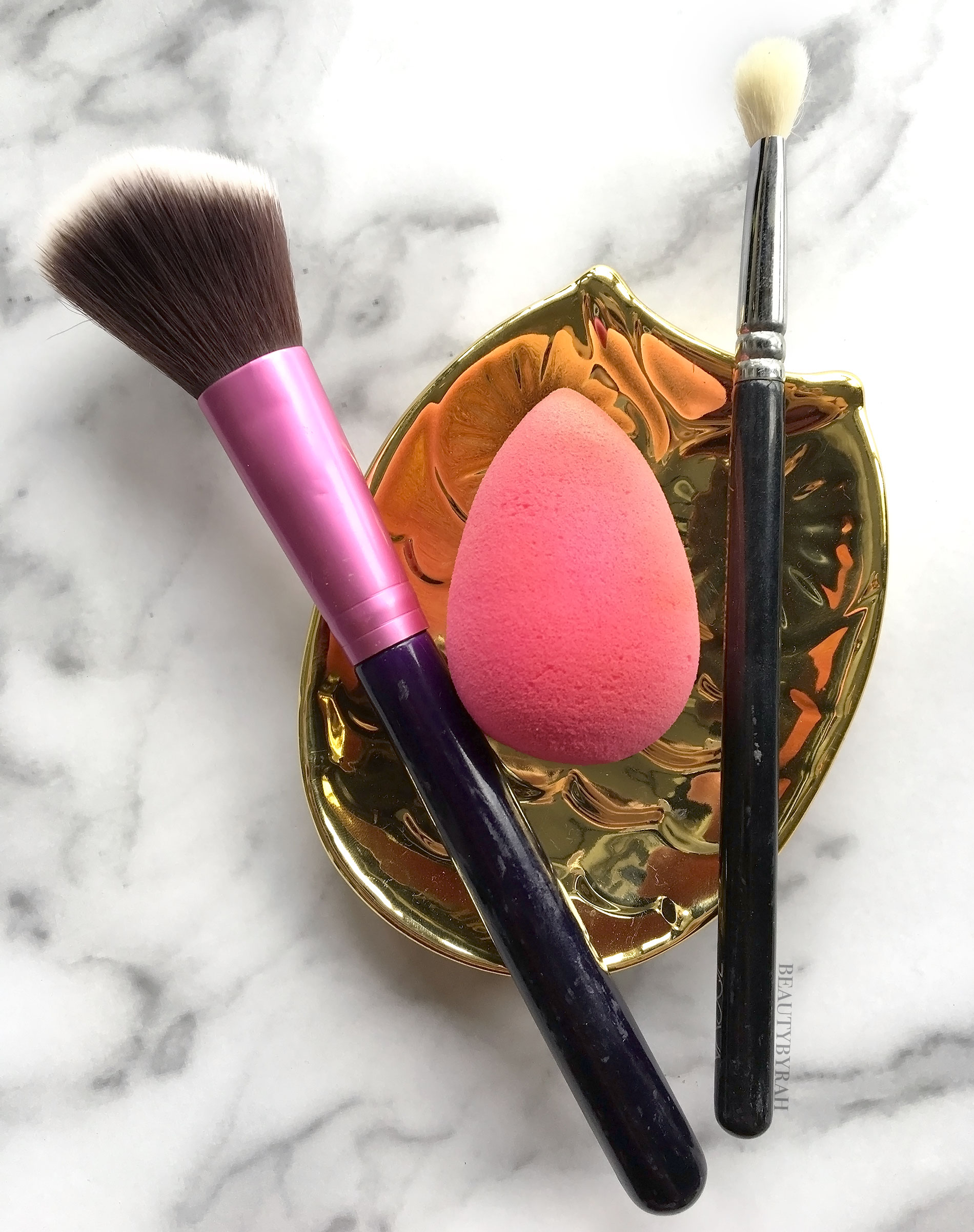 Makeup brushes mini guide for beginners