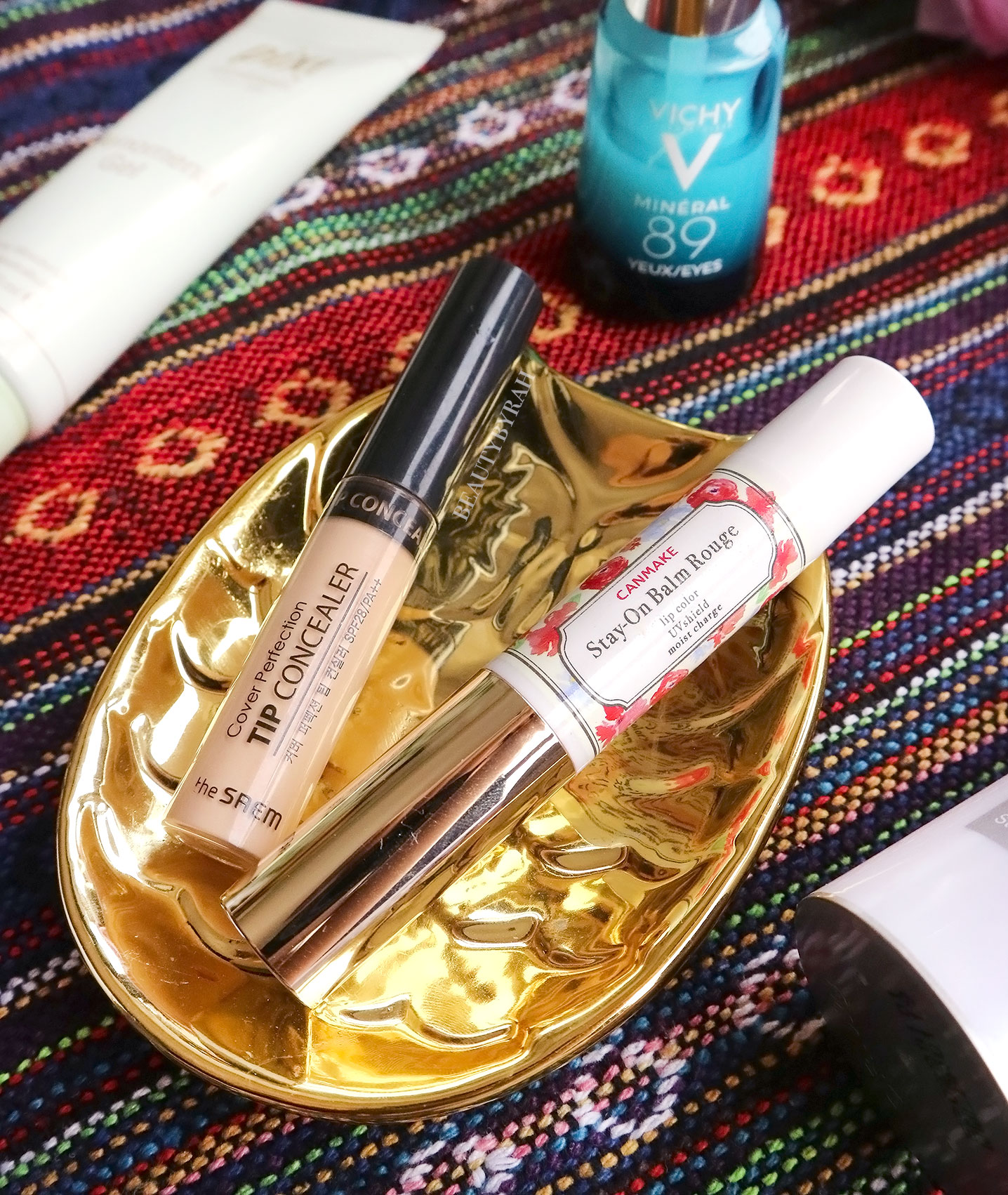 theSaem cover perfection tip concealer 1.5 review and swatch