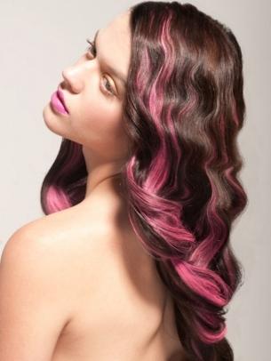 pink-streaks-on-brown-hair