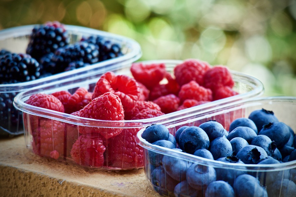 The Best Cancer Fighting Foods and Spices Berries