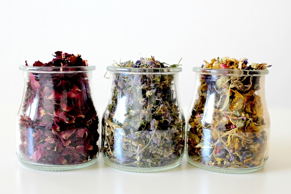 Try Making DIY Rose Potpourri to Keep Summer Alive