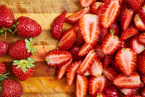 How to Brighten Your Smile With Strawberries! Strawberries