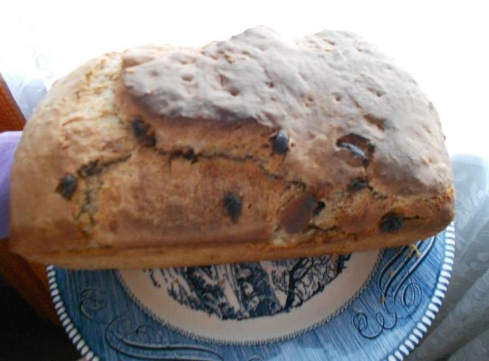 Cinnamon-Raisin Batter Bread Loaf