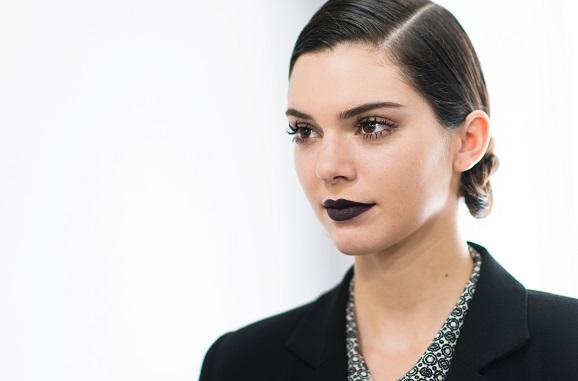 Black Lips: 5 Opções de batom preto para o verão