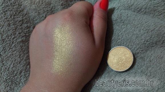 swatche-iluminador-holografico-dourado-qdb Novo Iluminador Holográfico Dourado da QDB? Resenha