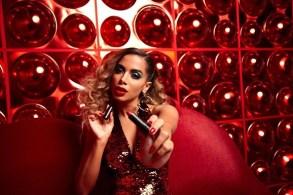 batom vermelho da anitta no clipe indecente - Indecente: Conheça o batom usado por Anitta no seu novo clipe