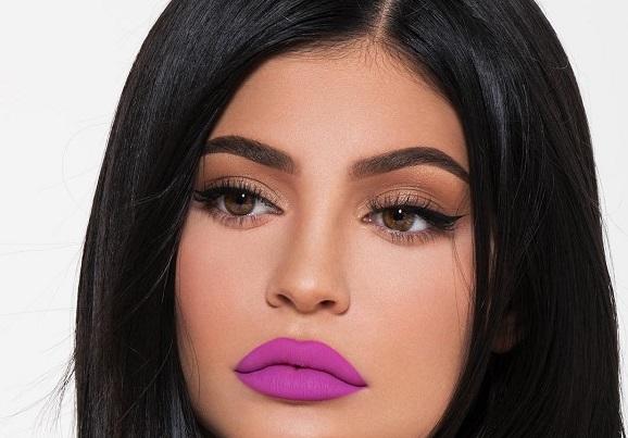 batom June Bug Kylie Jenner dupe