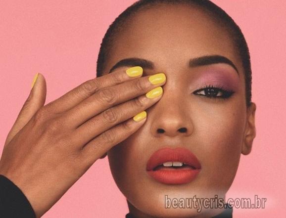 Esmalte amarelo é a nova tendência de beleza