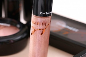 MAC-Julia-Petit-Gloss-Purpurine-