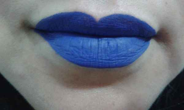 batom blue bic zanphy
