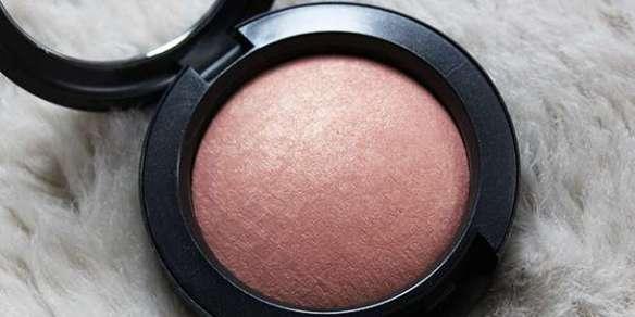 blush mineralize da MAC para usar no fim de ano