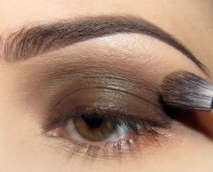 maquiagem com 1 cor sombra 2