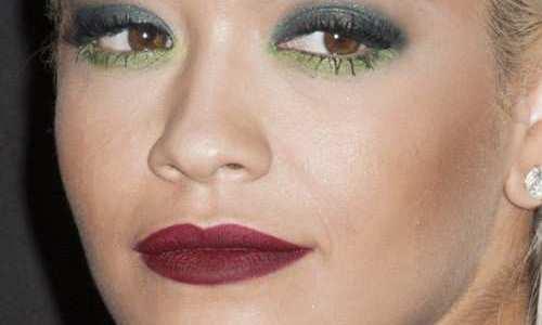 maquiagem-com-sombra-verde-rita-ora-500x300 Sombras verdes Color Me da Contém 1g