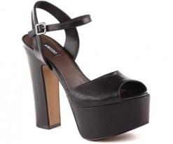 sandalia-meia-pata-preta-arezzo--180x150 Sapato meia pata é tendência de moda no verão 2015