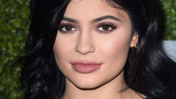 Top 5 batons líquidos cor de boca marsala inspirados na Kylie Jenner
