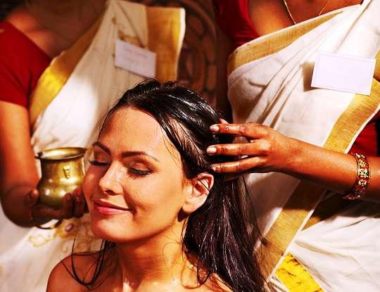 Como usar óleo de coco nos cabelos