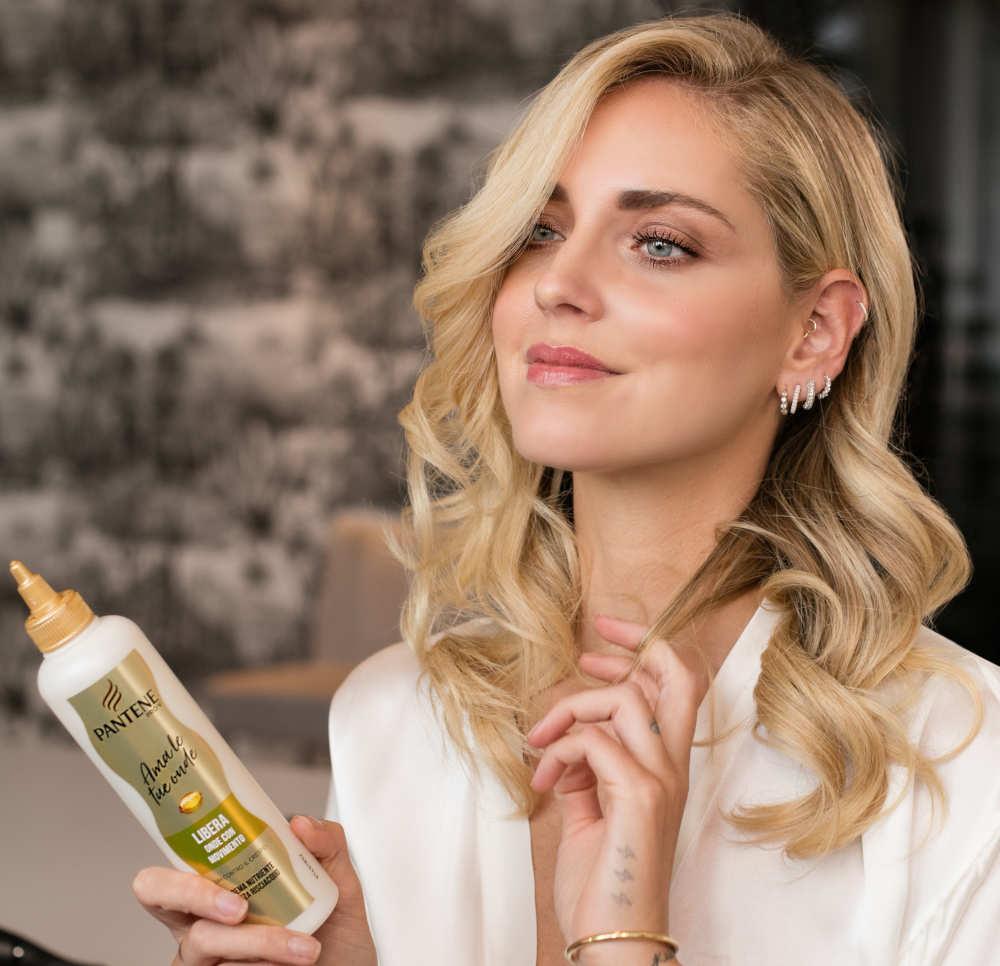 Chiara Ferragni cheveux ondulés printemps 2020