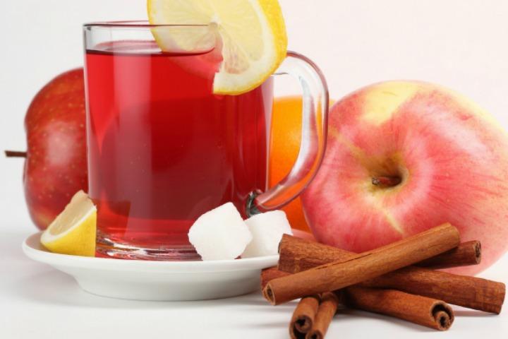Apple, Cinnamon And Lemon Juice