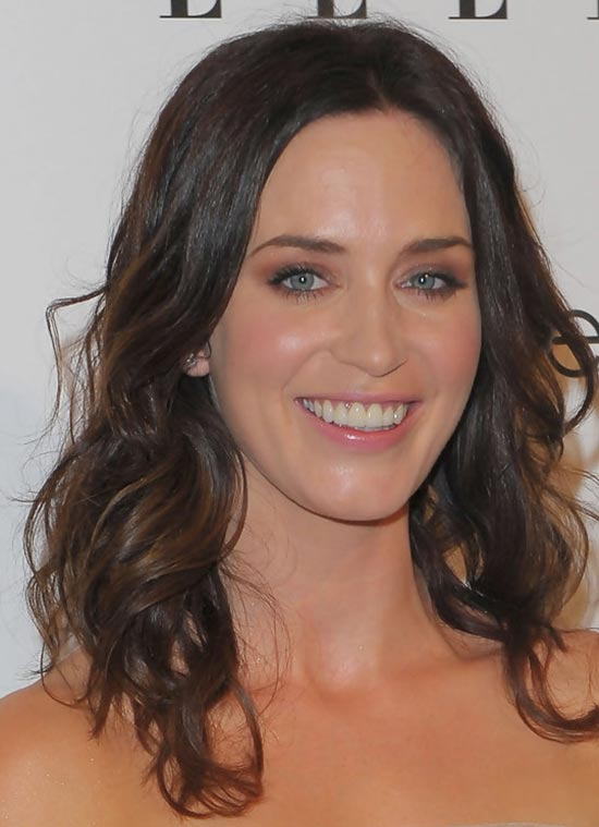 Emily Blunt Medium Curly Hairstyles