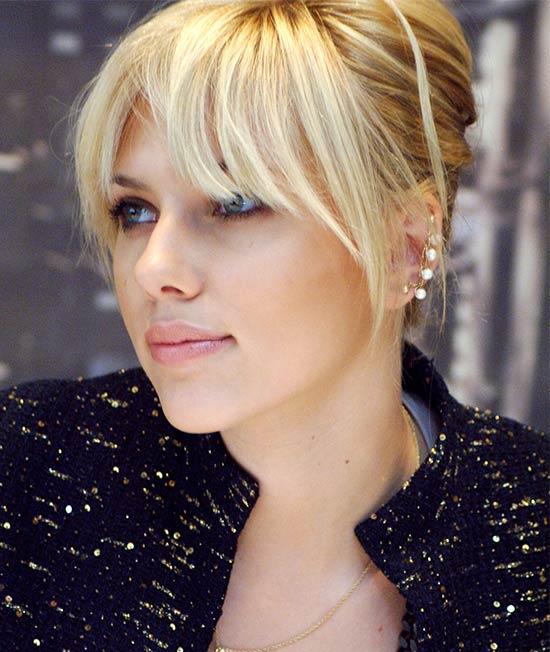 Scarlett Johansson Medium Length Hairstyles for Thin Hair
