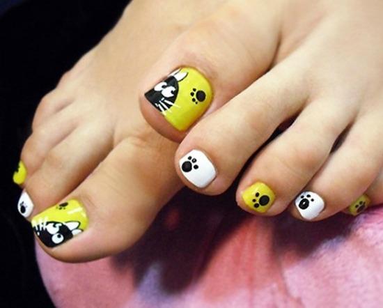 Cat Paw Prints Toe Nail Art Design