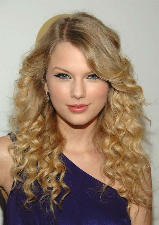 27 Amazing Hairstyles For Long Curly Hair